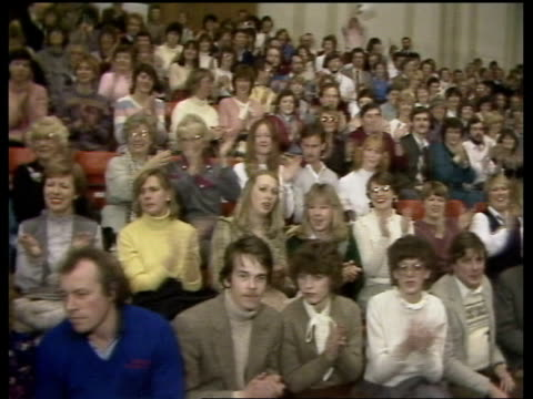 brighton cliff richard and sue ms ditto as onto court to applause ms spectators applaud cms cliff richard intvw sof i couldn't sleep very easy ms... - cliff richard stock videos and b-roll footage