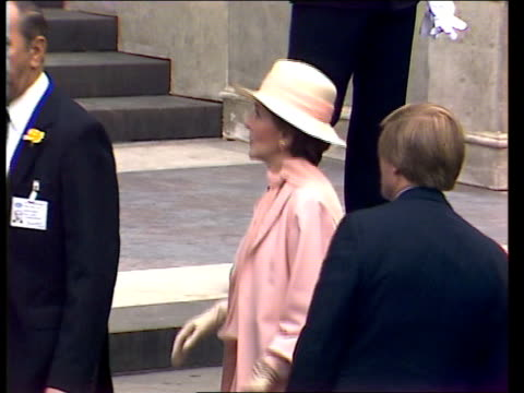 charles and diana wedding: diary of the day: part three; england: london: st paul's cathedral: ext a/g st paul's gv st paul's spike milligan, harold... - gerald kaufman stock videos & royalty-free footage