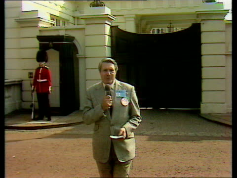 charles and diana wedding: pre-wedding report; england: london: itn: int selina scott in studio sot clarence house: ext leonard parkin to camera sot... - harry secombe stock videos & royalty-free footage