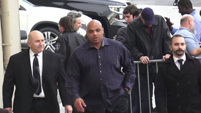 stockvideo's en b-roll-footage met charles barkley greets fans outside jimmy kimmel live at el capitan theater in hollywood in celebrity sightings in los angeles - el capitan theater