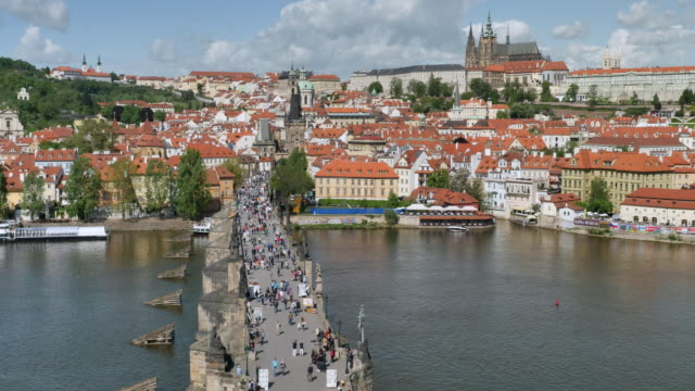 charles bridge, prague castle and st. vitus's cathedral, prague - stare mesto stock videos & royalty-free footage