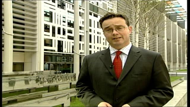 charles clarke offers to resign home office reporter to camera - charles clarke britischer politiker stock-videos und b-roll-filmmaterial