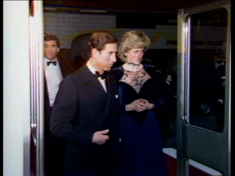 vídeos de stock, filmes e b-roll de charles diana attend film premier / visit hawton mental hospital england london shaftesbury avenue abc ms prince and princess of wales charles and... - estreia
