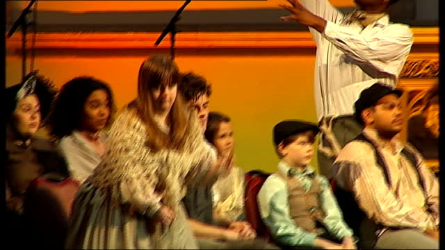 charles dickens bicentenary celebrations: guildhall performance in front of queen elizabeth; dress rehearsal of dickens performance, including... - charles dickens bildbanksvideor och videomaterial från bakom kulisserna