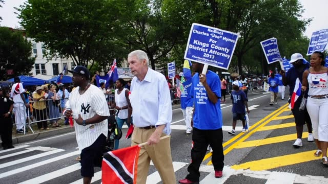 charles joseph hynes running for 2013 reelection as district attorney of kings county brooklyn new york city labor day parade charles hynes during... - staatsanwalt stock-videos und b-roll-filmmaterial