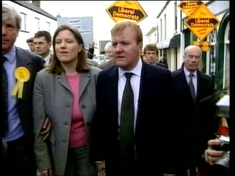 charles kennedy announces engagement lib ms kennedy gurling towards with lib dem supporters during election campaign - charles kennedy stock videos & royalty-free footage