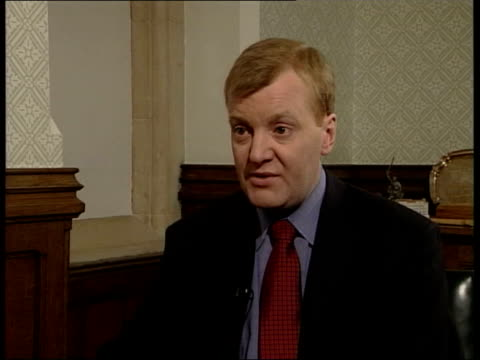 stockvideo's en b-roll-footage met drink problem rumours itn lancashire southport charles kennedy mp interview sot got to take rough with smooth in politics got to get up carry on with... - southport engeland