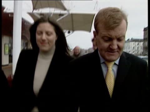 stockvideo's en b-roll-footage met drink problem rumours itn lancashire southport charles kennedy mp interview sot take two ends of the spectrum if you want to chair 'have i got news... - southport engeland