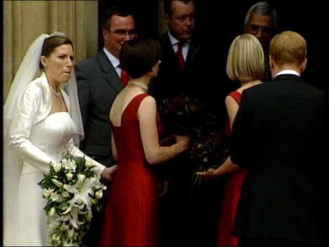 stockvideo's en b-roll-footage met charles kennedy marries sarah gurling england london westminster house of commons charles kennedy mp posing for photocall outside house of commons... - david steel politiek
