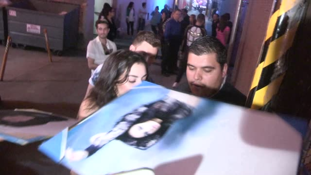 charli xcx takes selfies while greeting fans at the jimmy kimmel studio in hollywood in celebrity sightings in los angeles - charli xcx stock videos & royalty-free footage