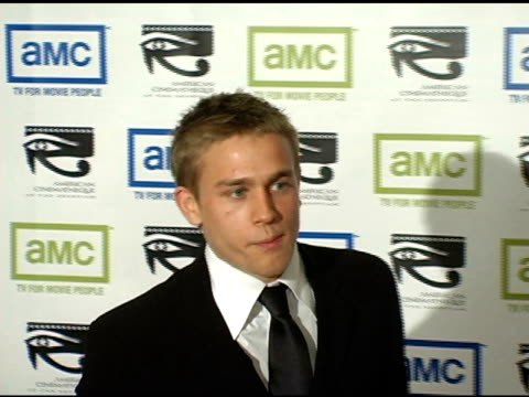 charlie hunnam at the 19th annual american cinematheque award honoring steve martin at the beverly hilton in beverly hills california on november 12... - スティーブ マーティン点の映像素材/bロール