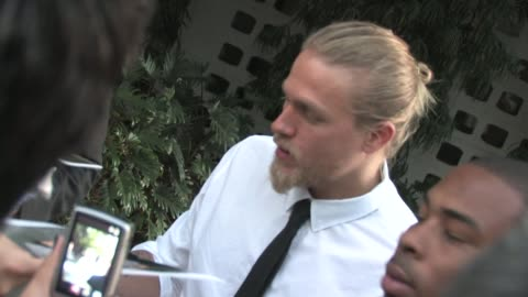 charlie hunnam at the 'sons of anarchy' season three premiere at the arclight hollywood cinema at the celebrity sightings in los angeles at los... - premiere stock videos & royalty-free footage