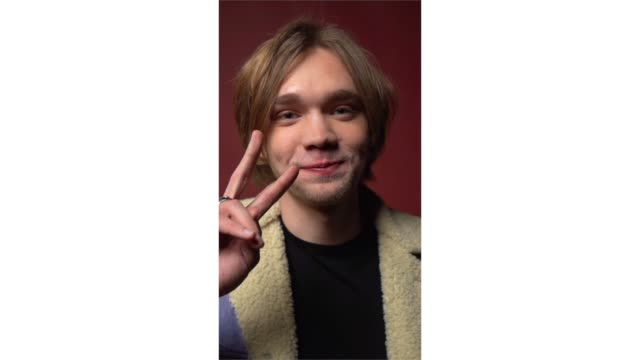 charlie plummer from 'share' poses for a portrait in the pizza hut lounge in park city utah on january 27 2019 in park city utah - park city stock videos & royalty-free footage