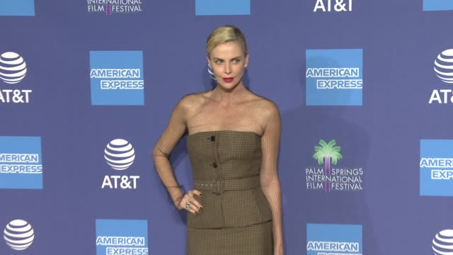 charlize theron at 31st annual palm springs international film festival film awards gala at palm springs convention center on january 02, 2020 in... - シャーリーズ・セロン点の映像素材/bロール