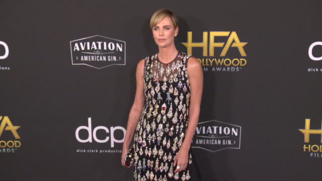 charlize theron at the 23rd annual hollywood film awards at the beverly hilton hotel on november 03, 2019 in beverly hills, california. - シャーリーズ・セロン点の映像素材/bロール