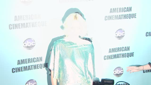 vídeos y material grabado en eventos de stock de charlize theron at the american cinematheque's 2010 award show honoring matt damon at beverly hills ca - american cinematheque