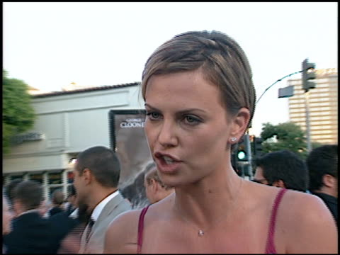 Charlize Theron at the Premiere of 'The Perfect Storm' on June 27 2000