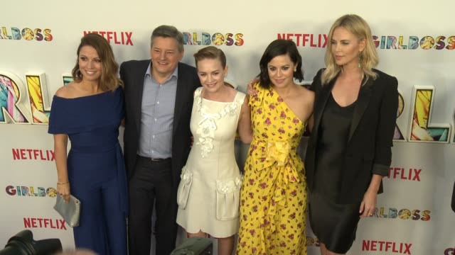 """charlize theron, ted sarandos, kay cannon, britt robertson and sophia amoruso at the """"girlboss"""" los angeles premiere at arclight cinemas on april 17,... - arclight cinemas hollywood stock-videos und b-roll-filmmaterial"""