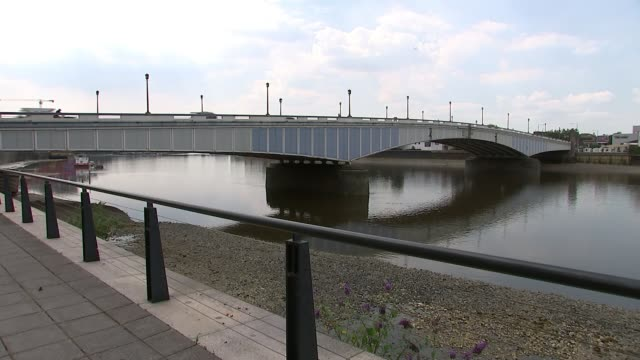 man goes on trial for manslaughter by gross negligence uk london wandsworth bridge and river thames england london ext wandsworth bridge tilt down... - 編集動画点の映像素材/bロール
