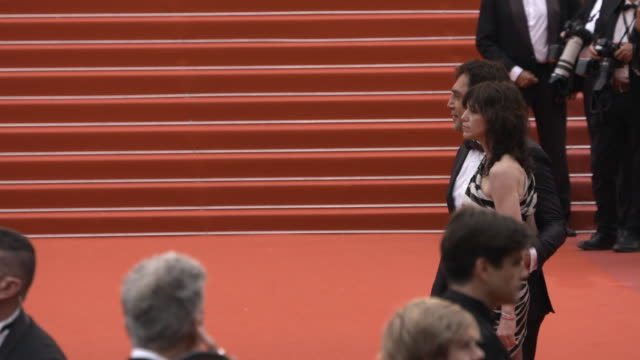 slomo charlotte gainsbourg javier bardem at 'the dead don't die' red carpet arrivals opening ceremony the 72nd cannes film festival on may 14 2019 in... - the dead don't die 2019 film stock videos and b-roll footage