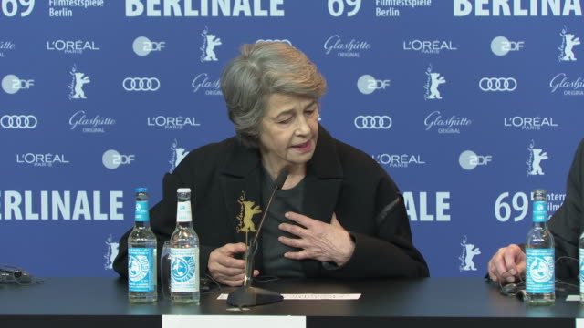 charlotte ramping on her immediate bond with director françois ozon, whilst working on under the sand at 'honorary golden bear / homage charlotte... - charlotte rampling stock videos & royalty-free footage