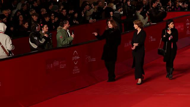 charlotte rampling at 'tutto parla di te' premiere: 7th rome film festival at auditorium parco della musica on november 15, 2012 in rome, italy - charlotte rampling stock videos & royalty-free footage