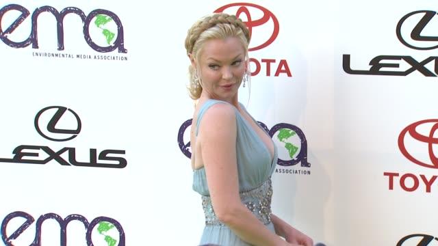 charlotte ross at the 2011 environmental media awards at burbank ca. - environmental media awards stock-videos und b-roll-filmmaterial