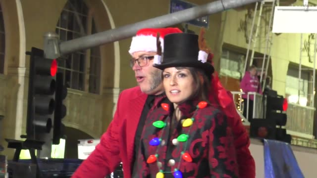 charly gienau on hollywood blvd at the 85th annual hollywood christmas parade in hollywood in celebrity sightings in los angeles - sfilata di natale di hollywood video stock e b–roll