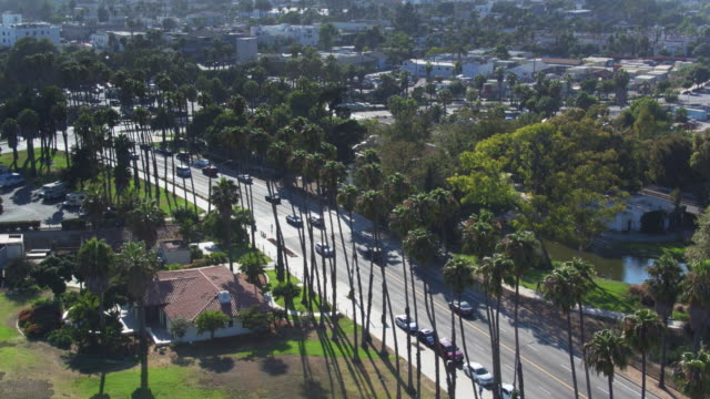 chase palm park, santa barbara - luftaufnahme - santa barbara stock-videos und b-roll-filmmaterial