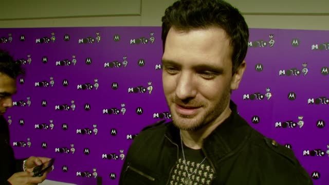 chasez on why it's the perfect way to spend the evening what he appreciates about kelly clarkson and his favorite hollywood tradition at the 9th... - jc chasez stock-videos und b-roll-filmmaterial