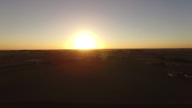 Chasing paragliter