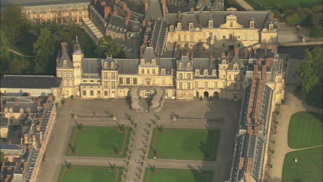 chateau de fontainebleau - formal garden stock videos & royalty-free footage