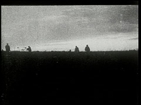 vídeos de stock e filmes b-roll de chateau thierry and the aisne-marne operation - 5 of 8 - veja outros clipes desta filmagem 2326