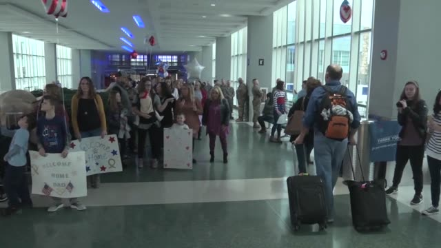 chattanooga airmen return home to tennessee after a seven month deployment in iraq - tarnkleidung stock-videos und b-roll-filmmaterial