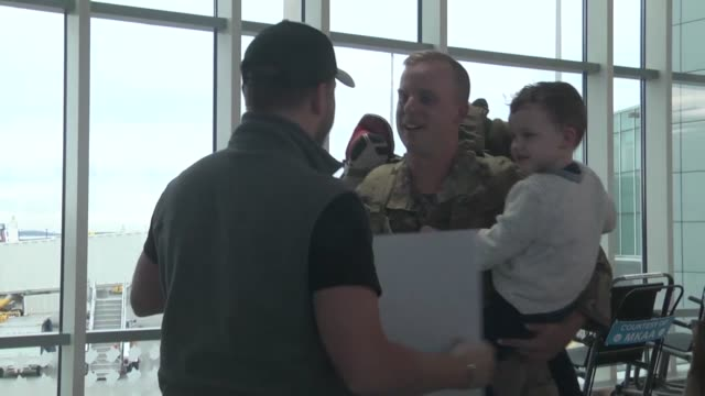 chattanooga airmen return home to tennessee after a seven month deployment in iraq - 迷彩柄点の映像素材/bロール