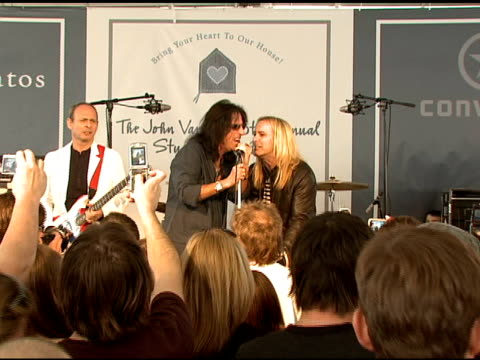 stockvideo's en b-roll-footage met cheap trick with alice cooper at the john varvatos 6th annual stuart house benefit on march 9, 2008. - alice cooper