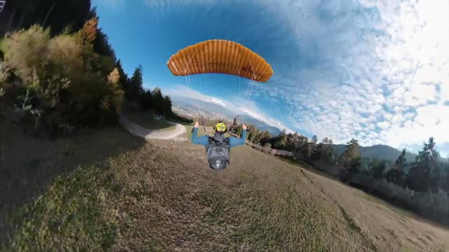 check out this insane footage of a daredevil's proximity speedflying down the slopes of kroneplatz in italy filmed with a gopro h6 helmet pov and the... - altri temi video stock e b–roll