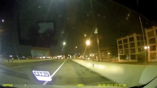 check out this tense dashcam footage of a high speed car accident in washington, d.c. captured by an uber driver. no need to be going that fast! - weitere themen stock-videos und b-roll-filmmaterial