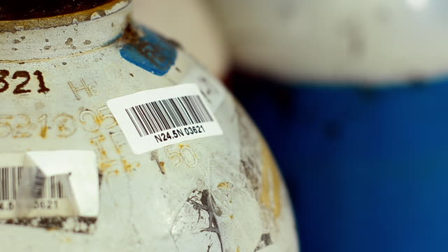 check store of chemical gas by reading barcode