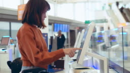 Check-in at the airport with self-service machine