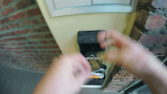 stockvideo's en b-roll-footage met checking the mail - pov - brievenbus huis
