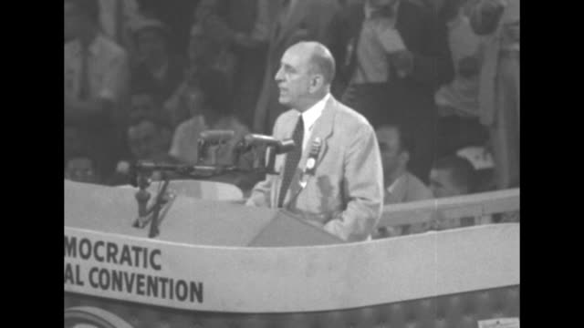 vídeos y material grabado en eventos de stock de vs cheers as ws the georgia delegation on the convention floor with sign georgia / richard b russell speaks from podium at 1952 democratic convention... - richard b. russell