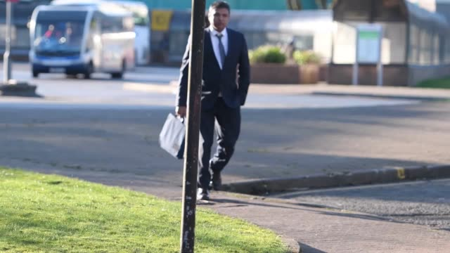 vidéos et rushes de chef and curry house owner kamrul islam arrives at merthyr tydfil crown court where he is on trial accused of causing actual bodily harm by throwing... - curry powder