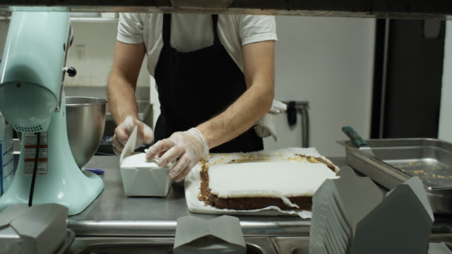 Chef Boxing Up Vegan Desserts for Delivery During Covid-19 Outbreak
