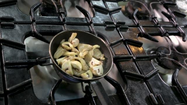 chef preparing vegetarian meal - kitchenware shop stock videos & royalty-free footage