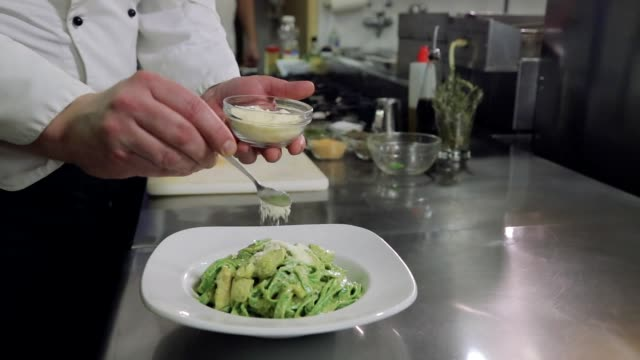 chef serving pasta dish - silver service stock videos & royalty-free footage