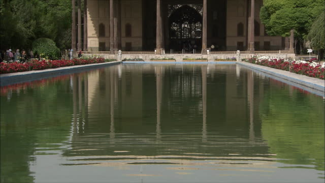 MS TU Chehel Sotoun pavilion with pool in foreground, Isfahan, Iran