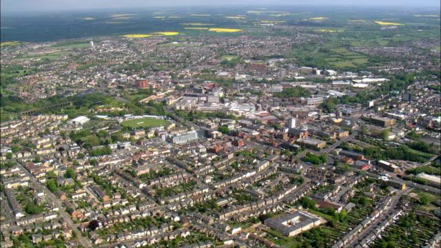 イギリスのチェルムズフォード - - イングランド、エセックスのチェルムズフォード地区空撮 - エセックス州点の映像素材/bロール