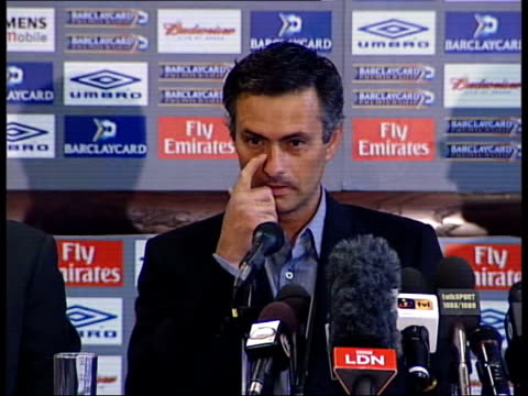 itn jose mourinho press confernce sot we have top players and i'm bit arrogant we have top manager so we want top things for us please don't call me... - ジョゼ・モウリーニョ点の映像素材/bロール