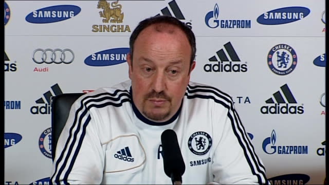 benitez appeals for fans to get behind the team surrey cobham int benitez press conference sot london stamford bridge ext barclays premier league... - スタンフォードブリッジ点の映像素材/bロール